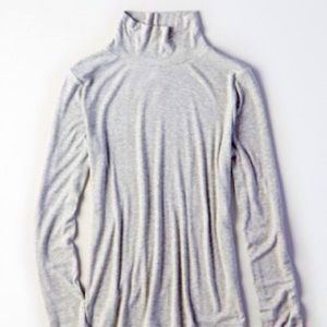 American Eagle Outfitters Turtleneck Soft! NWT!